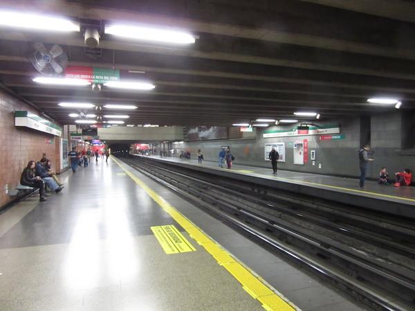 IMG_7150地下鉄ホーム.jpg