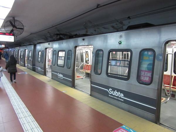 IMG_7360地下鉄車両.jpg