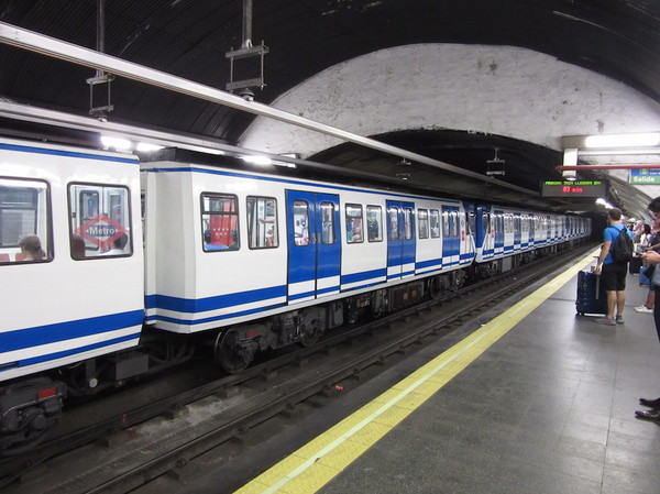 IMG_7743地下鉄.jpg